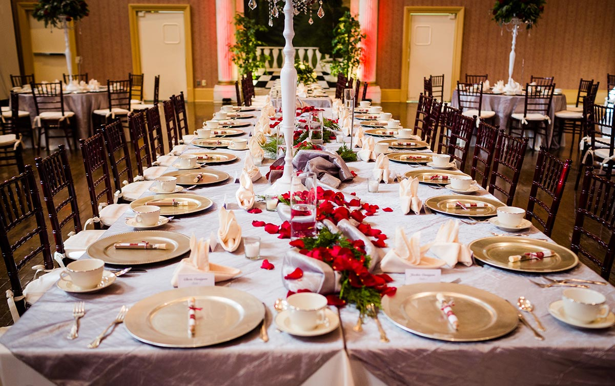 christmas wedding reception flowers