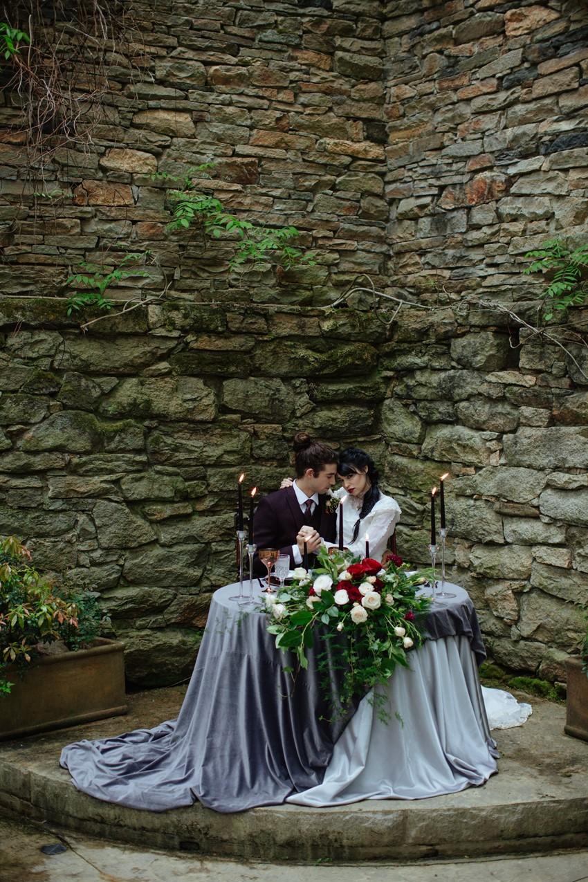 13-Gothic-Edwardian-Wedding-Sweetheart-Table