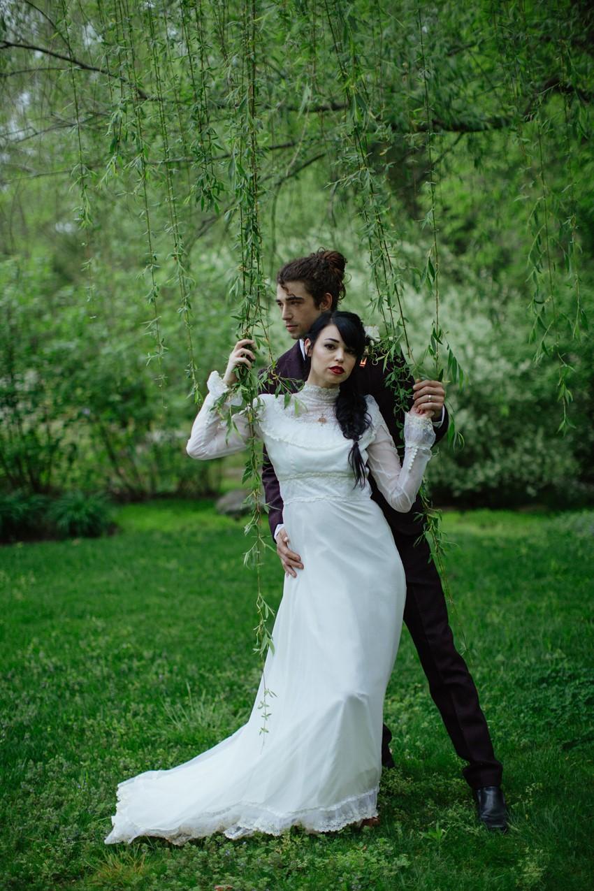 15-Edwardian-Inspired-Bride-Groom