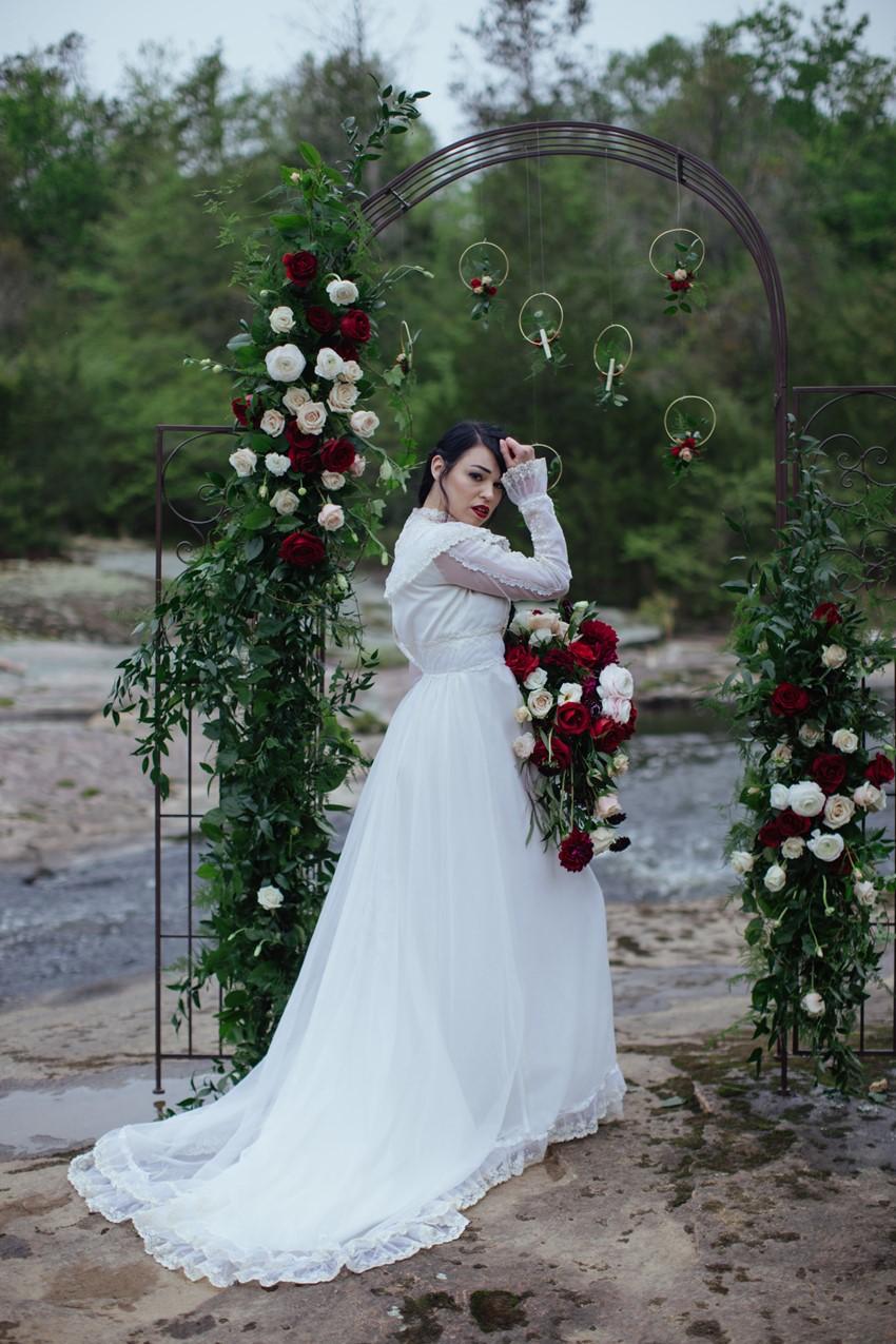 7-Romantic-Edwardian-Inspired-Bride