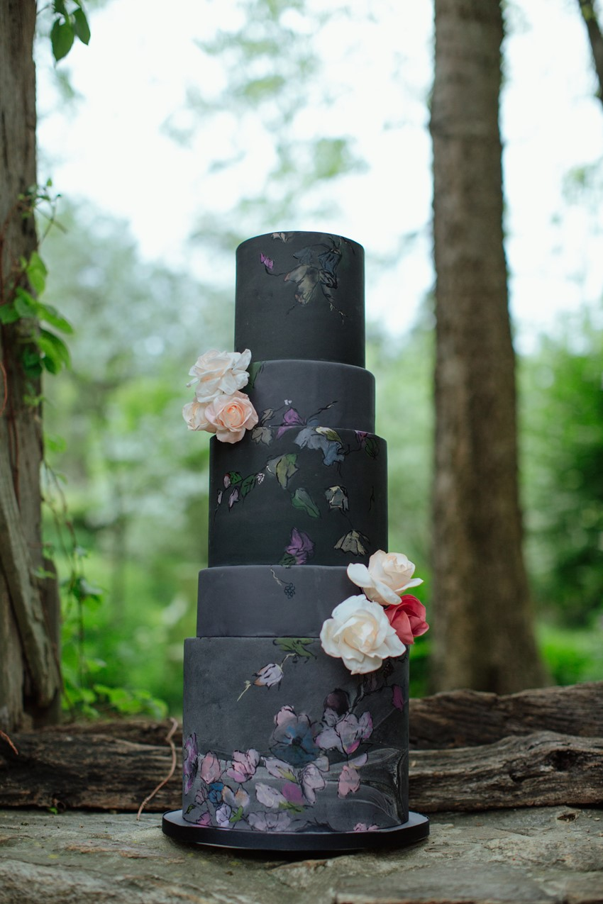 9-Black-Painted-Wedding-Cake
