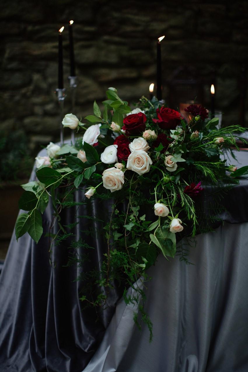 9b-Gothic-Wedding-table